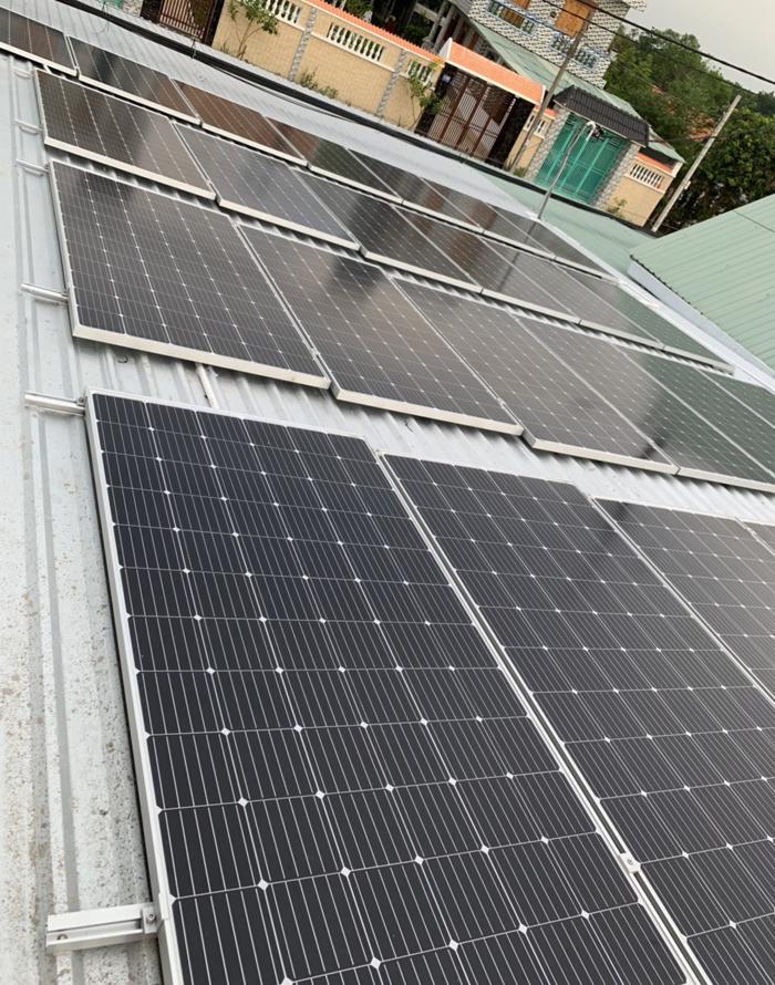 Tấm pin năng lượng mặt trời đơn tinh thể công suất lớn 400W 14