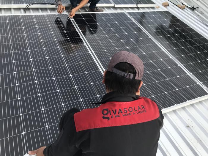 Tấm pin năng lượng mặt trời đơn tinh thể công suất lớn 400W 15